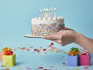 Сколько нужно дарить на День рождения в Молдове в 2020 году ?